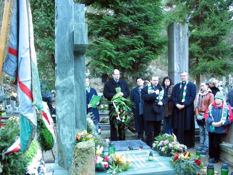 19 - Pomnik