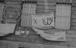 3 - Transparenty na zdobytym budynku KW PZPR Gdańsk