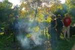 płonie ognisko w .... ogródku